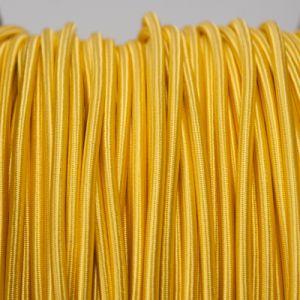 Geel rond strijkijzersnoer
