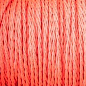 Roze rond strijkijzersnoer gevlochten