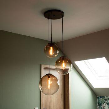 Hanglamp glazen bollen 3 bollen 'Varus' amberkleurige glas E27 fitting op FOIR.nl